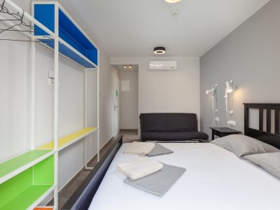 Hostel Makarska / Triple Rooms